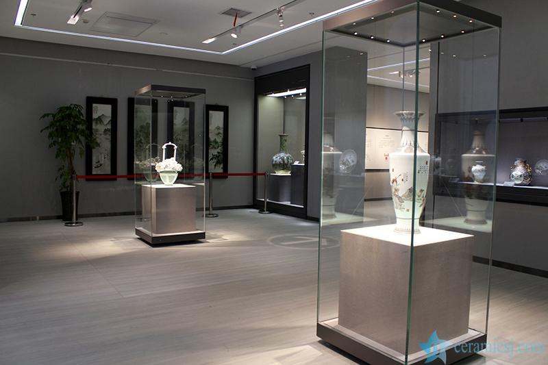1515342622-7936-564042ba8ab79 Introduction of  Jingdezhen Ceramics Museum Jingdezhen China Ceramics Museum - shengjiang  ceramic  factory   porcelain art hand basin wash sink